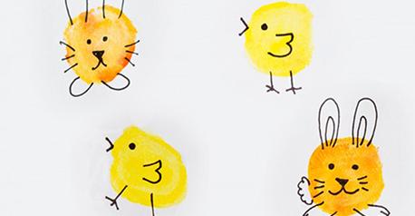 Personajes de Pascua con huellas
