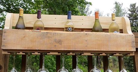 Porta vinos con pallets