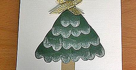 Tarjeta navideña de árbol de corazones